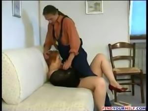 Handyman fuck Russian mature mom