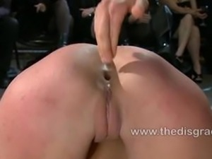 Amber Rayne cums hard from anal fisting