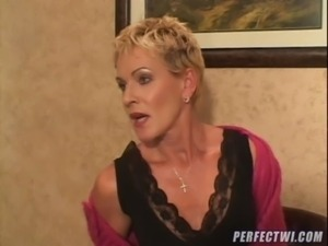 Julie Mandrews - Older Women Yo ... free