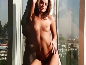 Glamour girl Tori Black