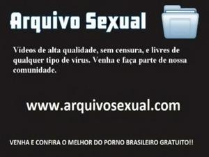 Putinha tira a roupa e trepa gostoso 7 - www.arquivosexual.com free
