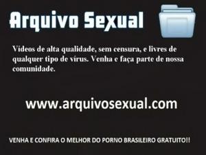 Putinha chupando e sentando na vara 6 - www.arquivosexual.com free