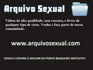 Putona chupa gostoso e senta na vara 14 - www.arquivosexual.com free