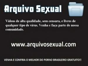 Putinha tira a roupa e trepa gostoso 3 - www.arquivosexual.com free