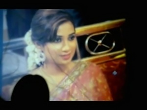 Singer Shreya Ghoshal Cum shot - sexy Saree and Blouse