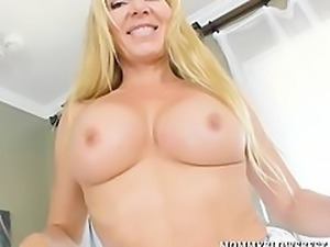 Sexy British MILF And Naughty Blow Job Pro Lisa Demarco