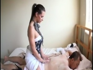 Brunette Masseuse  = Happy Ending free