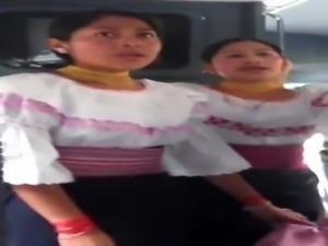Mujeres Otavale