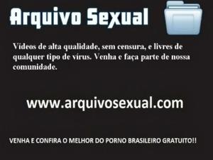 Chupetando duas roals ao mesmo tempo - www.arquivosexual.com free