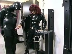 Smut mistress tortures her serf