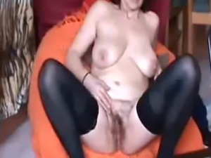 mature play in webcam