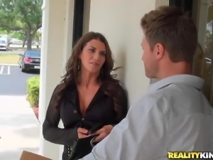 milf seduced by a horny guy!