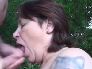 cock addictive mature whore sucking it outdoors