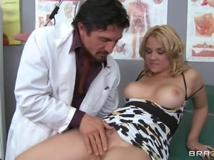 patient hits on her doctor and gets lucky