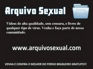 Ela gosta que chupem a bucetinha e soquem a rola 5 - www.arquivosexual.com free