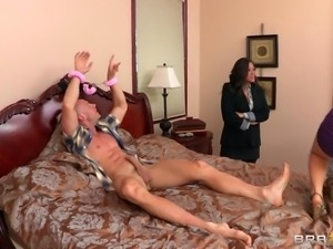 maxine x fucking a guy tied up in her bed