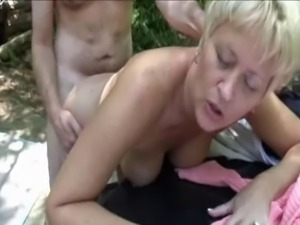 Tampa swingers have fun outdoors