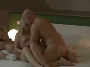 stunnigly erotic blondes FFM threesome