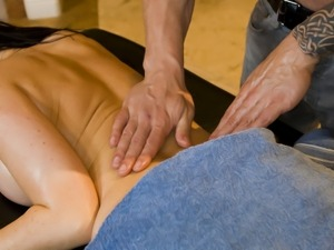 Stunning Eva Karera meets a good massage guy