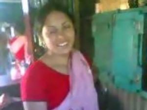 Indian daring couple fuck under shamina at party