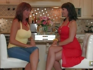 Desi Foxx and Carrie Ann are two well experienced lesbian