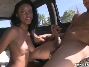 Tiffany Taylor gets naked and gives good blowiob to lucky