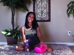 Petite Black Babe Cam Show