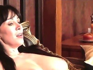 The attractive brunette pornstar RayVeness gets seduced by the young Johnny...