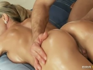 Round assed stacked blonde bombshell Brandi Love gets naked being