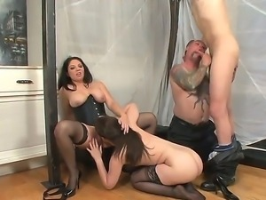 Wild bisexual foursome action with Angel Cakes, Derrick Paul, Kiki Daire and...