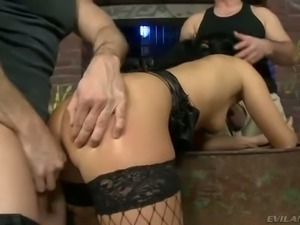 Dark haired sexy bitch Bettina DiCapri in black fishnet stockings