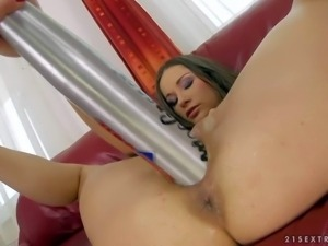 Ashley is a beautiful girl that gets her vagina stretched