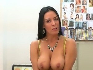 Gorgeous young babe Vanilla DeVille is showing her skills on this interview...