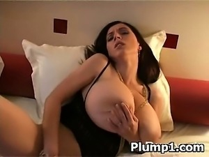 Sexy Hot Spicy Plumpy Hottie Drilled
