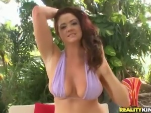 Attractive Selena Castro pulls out her big juicy naturals to
