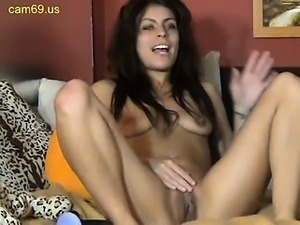 Webcam slut fingering and pee
