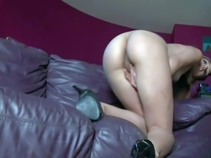 Young sexy Melanie Rios is proud of her sexy body.