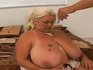 Long haired full figured mature blonde whore Linda with unreal gigantic...