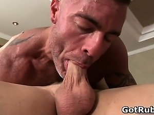 Massage pro in deep anal wrecking gay part1