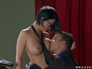 Loni Evans finds Rocco Reed in distress. Beautiful four-eyed school