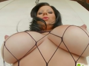Busty claudia hot gets her clam banged