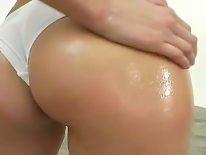 White gal displaying her huge sexy oiled booty with small tits.