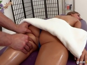 Presley Hart is too shy to get the massage session