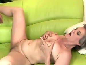 Mature hottie with huge tits Aliz enjoys the fuck of her life along young hunk