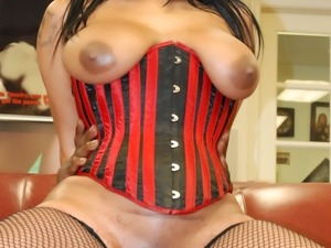 Fat chocolate bitch sreams, pounded by a huge cock