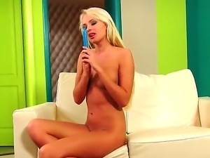 Long haired slender blonde babe Ivana Sugar with long legs and natural perky...