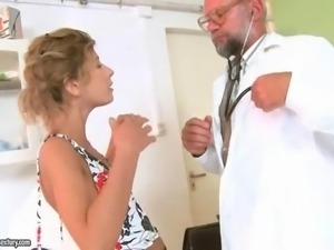 Teen cutie gets fucked by her old doctor