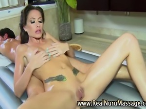 Masseuse babe fuck massage