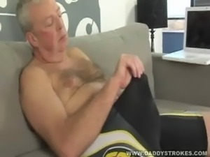 Daddy Blows a Monster Load free