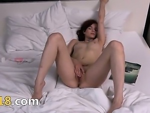 Czech model Leila gaping gyno cunt